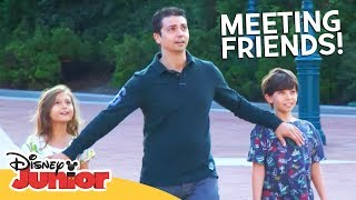 MEETING FRIENDS!   A Day in the Life of Mickey ft. Moshaya Family   Disney Junior Arabia
