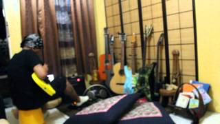 my mellow yellow guitar...