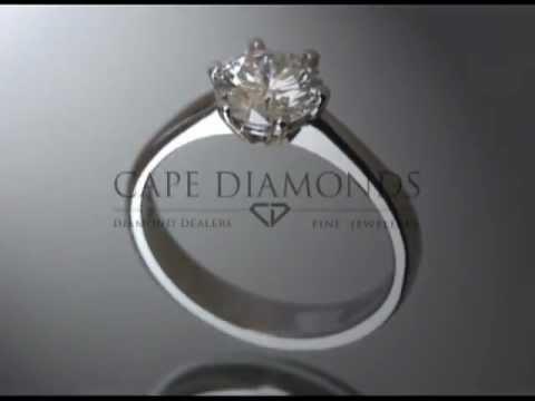 Solitaire ring,round diamond,6 claws,platinum,engagement ring