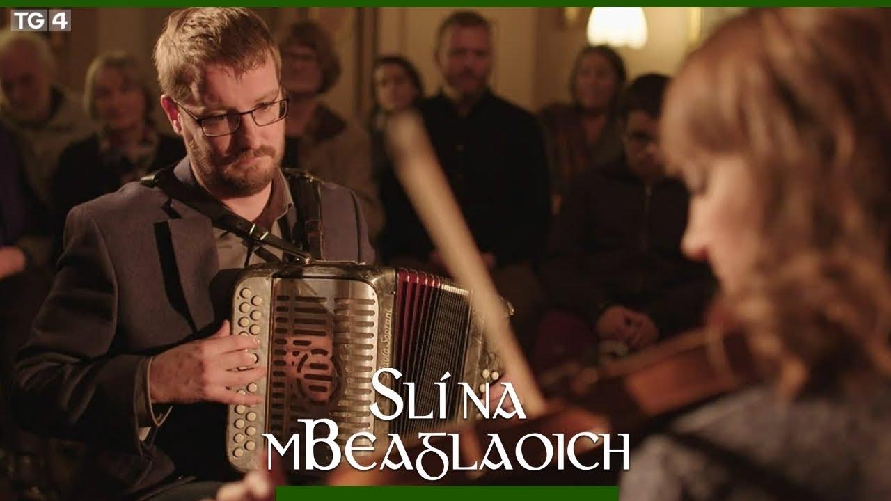 Fiachna Ó Mongáin and Jessica Ziegler perform on TG4