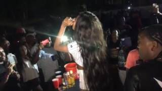 Vanessa Bling aka GAZA Slim gets raw on stege in NEGRIL