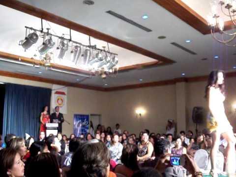 Misses compeating for Miss Ecuador 2011.MOV