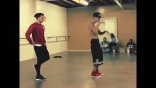 Justin Bieber dancing on confident