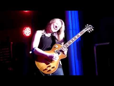 joanne-shaw-taylor-going-home-bluesfest-2014-colin-hay