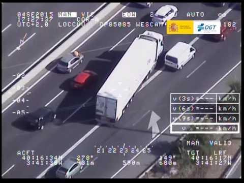 Infracción de un camionero en plena autovía captada por Pegasus