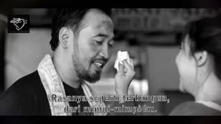 WIDI NUGROHO (vokalis Hello Band) - Harus Memilih - Official Lyrics Video B/W