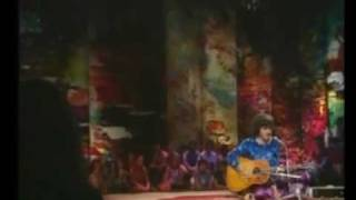 Donovan in Concert - Mellow Yellow