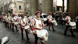 Ustata - Baila Morena