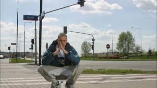 "8. EIS feat. PEZET, TEN TYP MES - ""W szponach melanżu"" (official audio)."