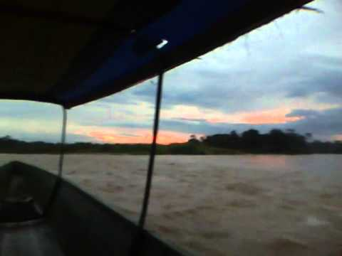 Atarceder en el Río Napo