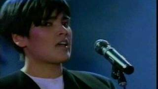 Tanita Tikarem-Twist In My Sobriety (World Music Awards)