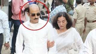 Akshaye Khanna looks UNRECOGNIZABLE at father Vinod Khanna's last rites
