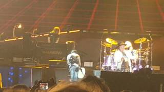 Guns n' Roses with Steven Adler - Out ta get me live at River Plate stadium 4/11/2016
