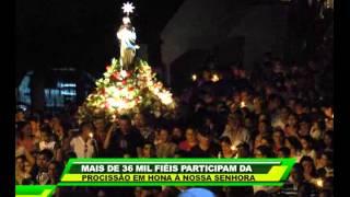 Mais de 36 mil fiéis participam da procissão em honra à Nossa Senhora da Glória.