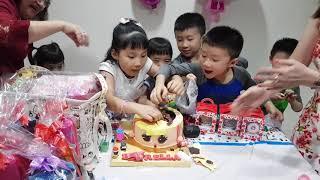 Unboxing Pinata cake at estrella 6th birthday - 20 dec 2018 - LOL CAKE