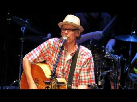 john-hiatt-perfectly-good-guitar-pabst-theater-milw-wi-aug-26th-2013-zoothorn99