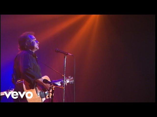 'Ghost Riders in the Sky', interpretada en directo por Johnny Cash.