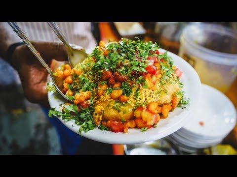Indian Street Food Tour in Pune, India at Night | Trying Puri, Dosa & Pulao