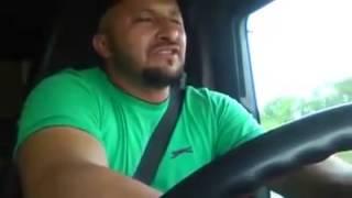 """Шофьор изпълнява песента на Keba - """"Kukuvica"""" heart emoticon"""