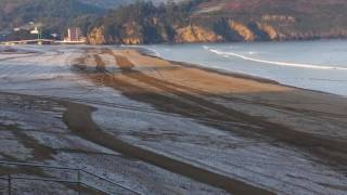 Un manto de hielo cubría esta mañana la playa de La Arena