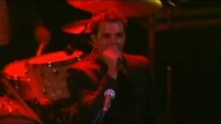 The Killers - Somebody Told Me (live)
