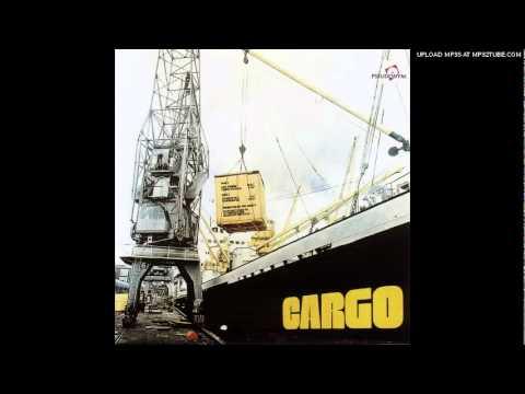 cargo-yelly-rose-angel-manrique