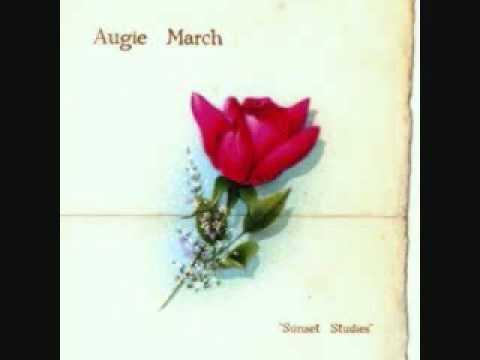 Tulip de Augie March Letra y Video