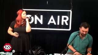 Feli - Cine te crezi? (live @ Kiss FM)