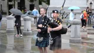 """Awesome Bagpipe Player Performs """"Thunderstruck"""" by"""