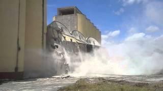 demolición de silos..
