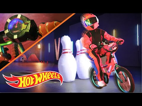 OBSTACLE COURSE with the HOT WHEELS DYNACRAFT BIKE | Orange Vs Blue | Hot Wheels