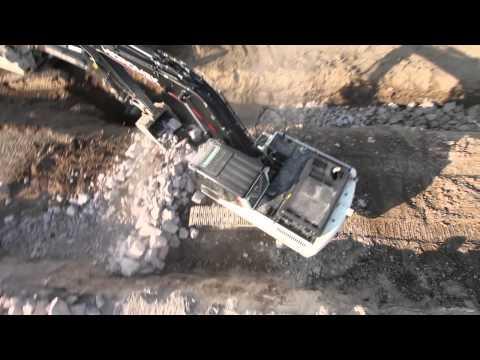HMK 220 LC, HMK 102 S Toprak İnşaat Hafriyat-Ankara Çayı Islahı-ANKARA