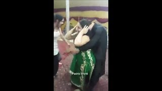peshawar mujra ||new pashto mujra 2017 || beautiful girls || cute girl dance width=