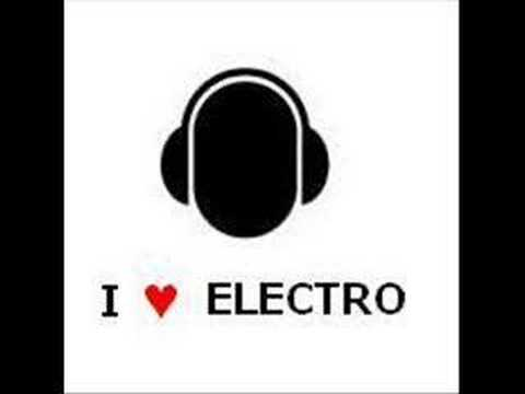 the-toxic-avenger-escape-bloody-beetroots-remix-drag0nsoul2