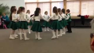 Mick & Fin's Irish Circle Dance