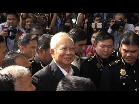 رئيس الوزراء الماليزي السابق نجيب عبد الرزاق يمثل أمام سلطة مكافحة الفساد للمرة الثانية