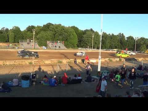 Farwell,Michigan 4th of July celebration 2018 USA figure eight Heat 3(FWD cars)