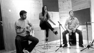 A Girl Between Maniacs - Don't Let Go (En Vogue) - Unplugged