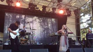 "Aurora, ""I Went Too Far"", Live at Laneway Festival, Auckland, New Zealand"