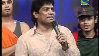 Johnny Lever has the audience in splits with his mimcry width=