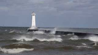Sodus Bay Lighthouse in heavy winds