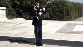 VIDEO - Tomb of The Unknown - Soldier Yelling at Laughing Crowd!