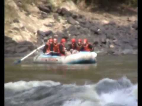 6 Alfred Buhagiar Rafting Victoria Falls South  Africa.wmv