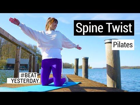Pilates: Kontrolliert zu kräftigen Muskeln mit dem Spine Twist