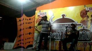 """Grupo Os Rapazes Cantando """"Solidão é uma ressaca"""" (Bruno & Marrone)"""