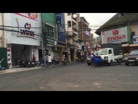 Video op YouTube: Driving through Vietnam