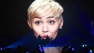 Miley Cyrus- Opening( SMS) Bangerz Tour in Puerto Rico