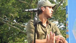 "Enrique Iglesias ""Hero"" Live Concert at Central Park New York in 8.1.2014"