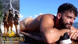 ¡Adrián nada desnudo en su balsa!  | Reto 4 Elementos, segunda temporada