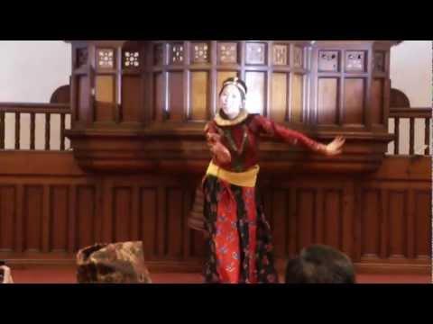 Nepali Dance (Kasari Vanu Ma) Miruna Magar